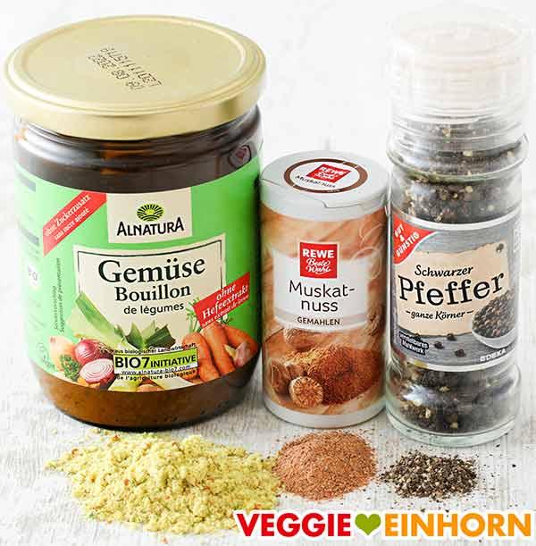Gemüsebrühe Pulver, gemahlene Muskatnuss, schwarzer Pfeffer