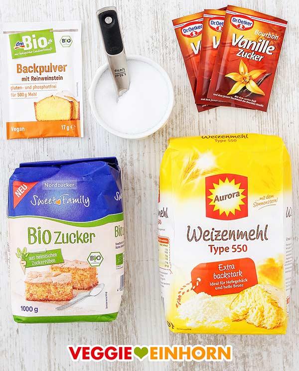 Backpulver, Salz, Vanillezucker, Zucker, Mehl