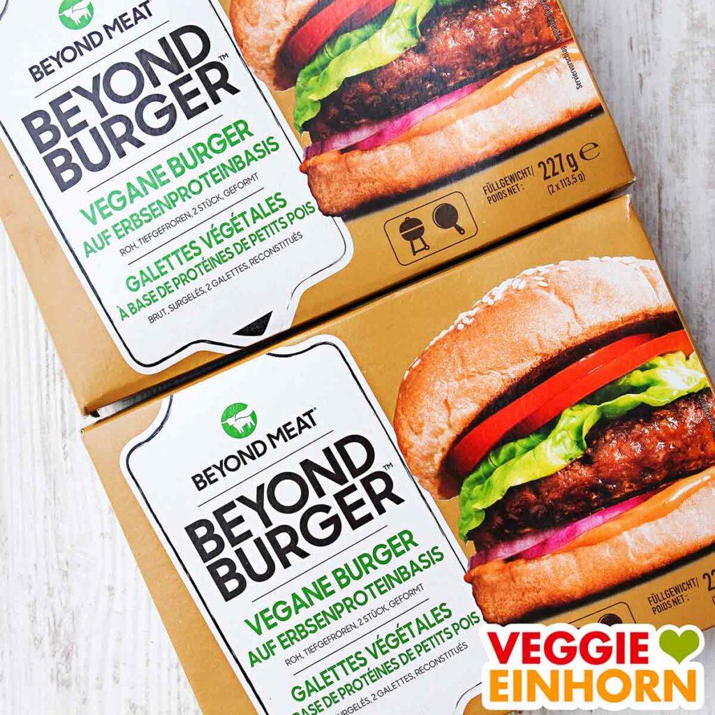 Zwei Packungen Beyond Meat Burger