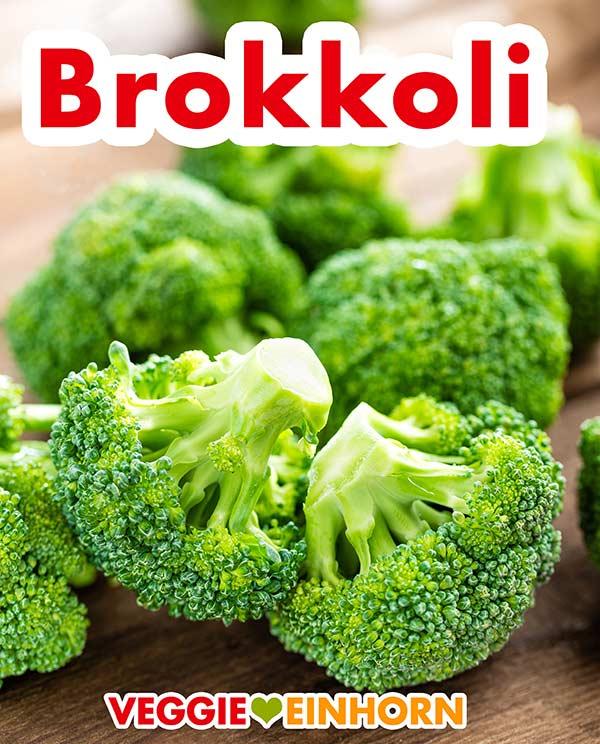 Brokkoliröschen auf einem Holztisch
