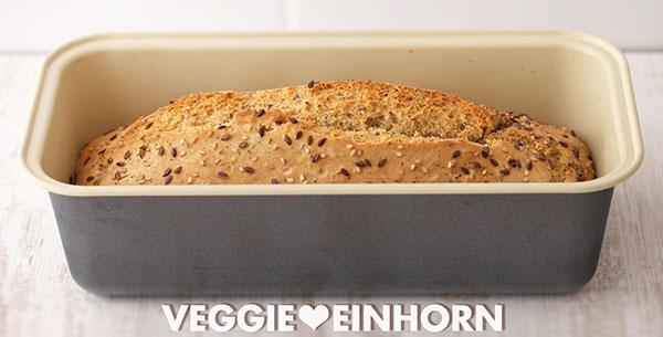 Brot ohne Hefe in einer 25 cm langen Kastenbackform