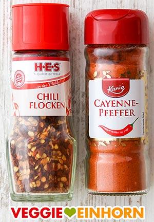Chiliflocken und Cayennepfeffer