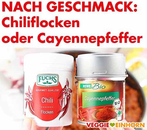 Gewürzdosen mit Chiliflocken und Cayennepfeffer