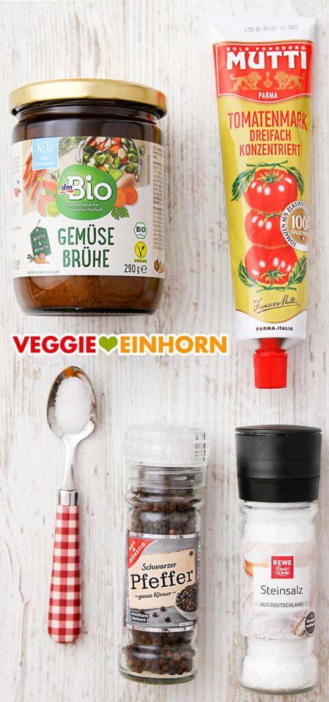 Ein Glas Gemüsebrühepulver von dm, eine Tube Tomatenmark, Zucker, Pfeffer und Salz
