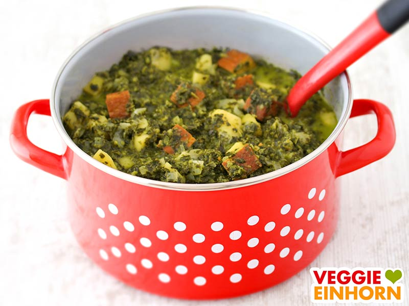 Veganer Grünkohleintopf mit Kartoffeln & Räuchertofu