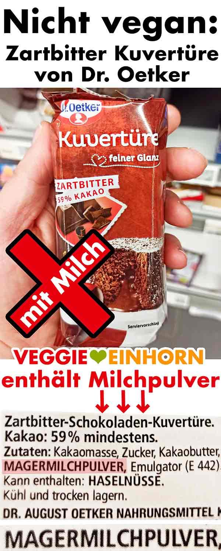 Eine Packung Dr. Oetker Zartbitter Kuvertüre im Supermarkt