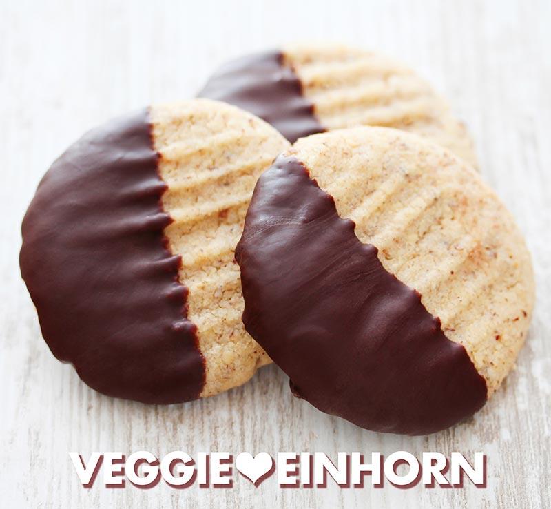 Einfache Nussplätzchen mit Schokolade