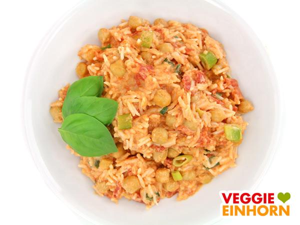 Curry mit Kichererbsen, Reis, Kokosmilch, Erdnussmus
