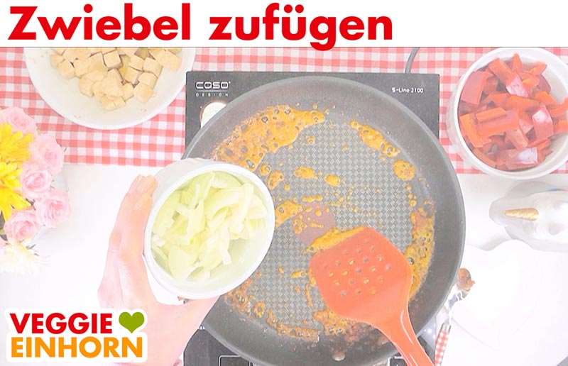 Einfaches veganes Curry | Rote Currypaste, Zwiebeln