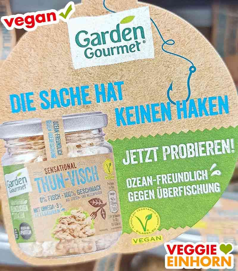 Anhänger mit Werbung für veganen Thunfisch von Garden Gourmet