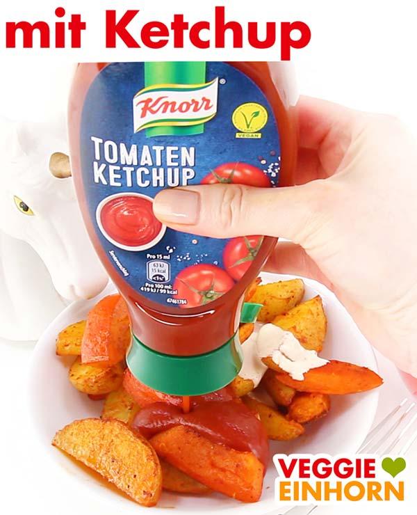 Gebackene Kartoffel Wedges und Kürbisspalten mit Ketchup