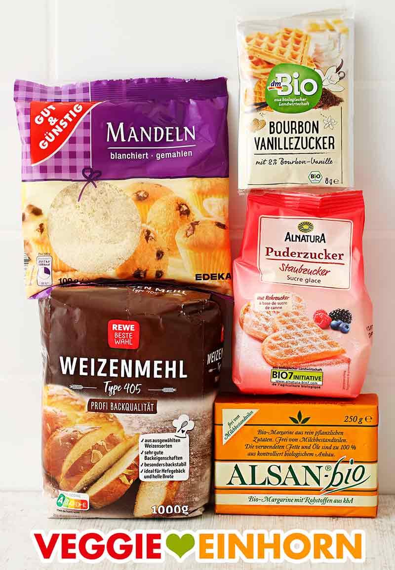 Gemahlene Mandeln, Mehl, Vanillezucker, Puderzucker, Alsan Margarine