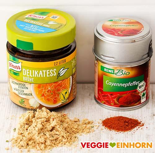 Gemüsebrühe Pulver und Cayennepfeffer