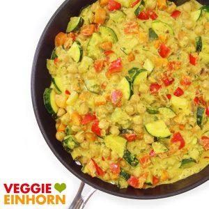 Gemüsecurry vegan mit Kokosmilch und Kichererbsen