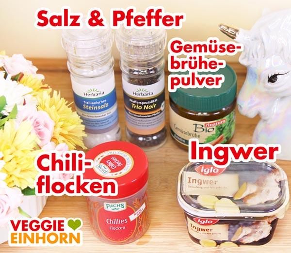 Gewürze Chiliflocken, Ingwer, Salz, Pfeffer, Gemüsebrühe Pulver