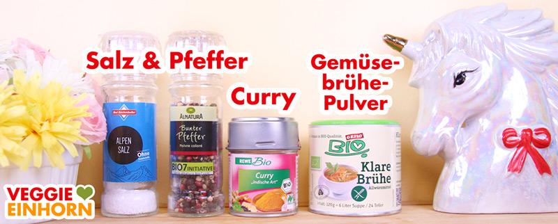 Gewürze Curry, Salz, Pfeffer, Gemüsebrühe Pulver