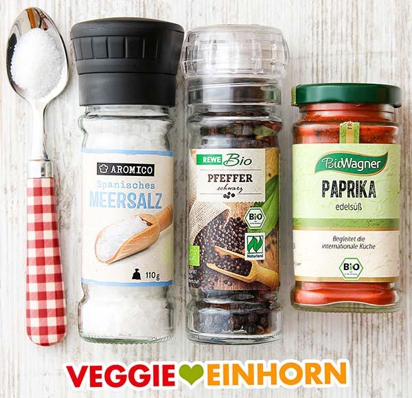 Zucker, Salz, Pfeffer und Paprika edelsüß Pulver