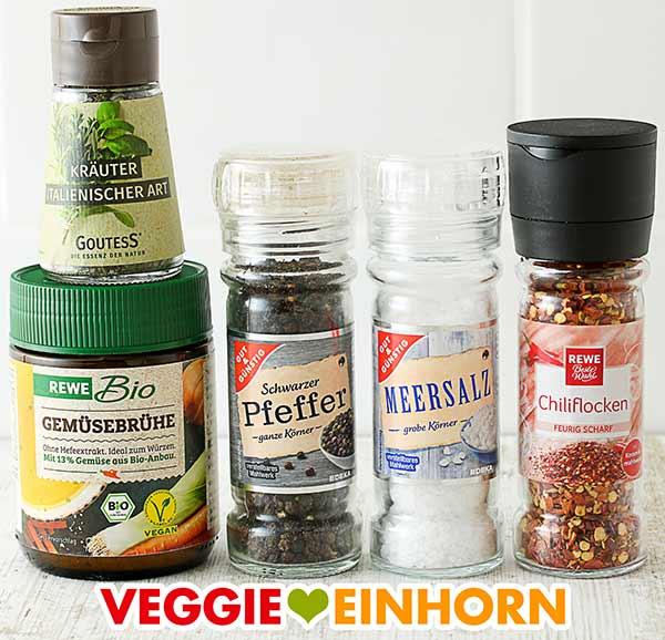 Italienische Kräutermischung, Gemüsebrühe Pulver, Pfeffer, Salz, Chiliflocken
