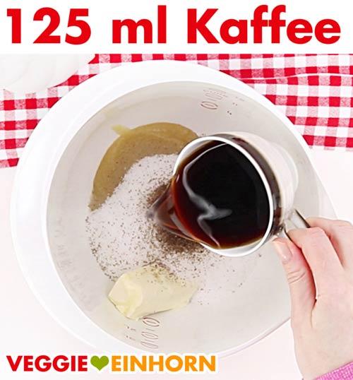 Kaffee zufügen