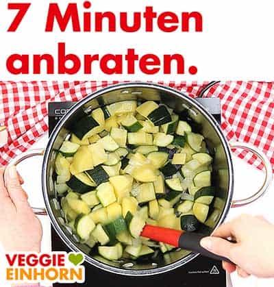 Kartoffeln, Zucchini und Knoblauch mit anbraten