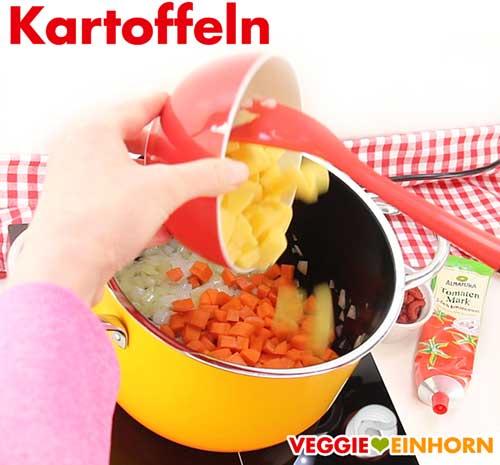 Kartoffeln für vegetarische rote Linsensuppe