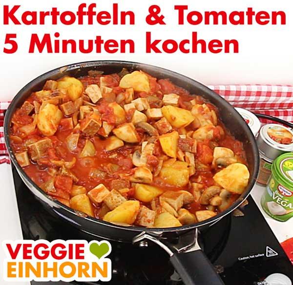 Kartoffeln und Tomaten zufügen und mit kochen
