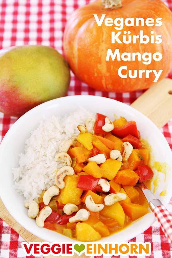 Veganes Curry mit Kürbis, Mango und Cashewkernen