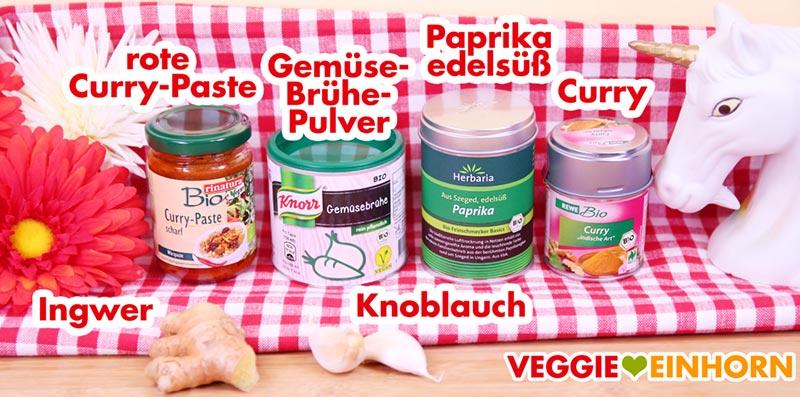 Gewürze rote Currypaste, Paprika edelsüß, Curry Pulver, Ingwer