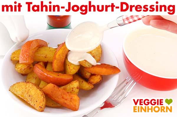 Kürbis und Kartoffel Spalten mit veganem Tahin-Joghurt-Dressing