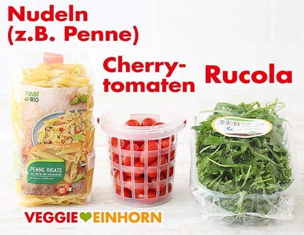 Nudeln (Penne), Cherrytomaten und Rucola