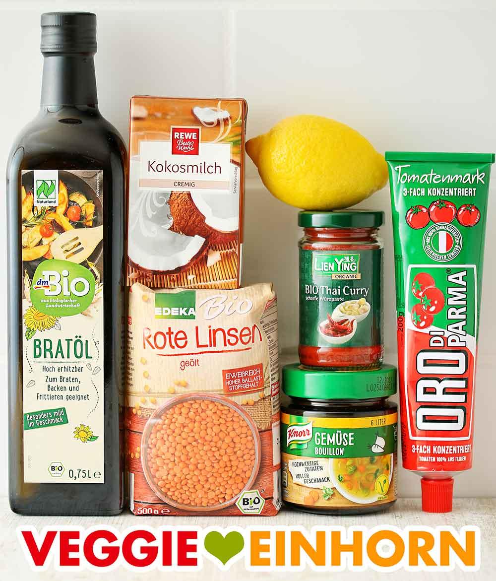 Öl, Kokosmilch, rote Linsen, Zitrone, rote Currypaste, Gemüsebrühe Pulver, Tomatenmark