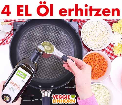 Öl in Pfanne erhitzen zum Gemüse braten