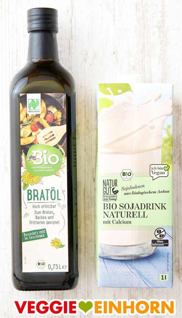 Bratöl zum Backen und Sojamilch für veganen Rührteig