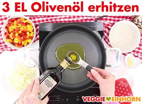 Olivenöl wird in Pfanne erhitzt