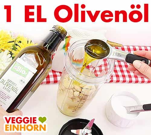 Ein Esslöffel Olivenöl