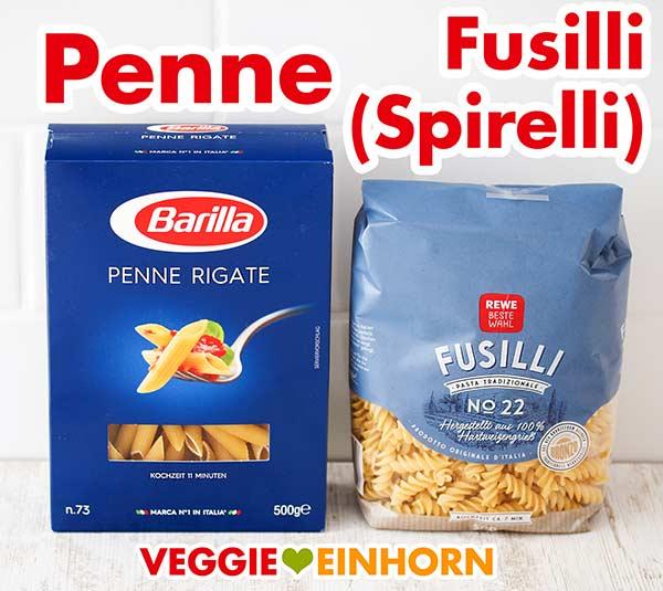 Eine Packung Penne und eine Packung Fusilli Pasta