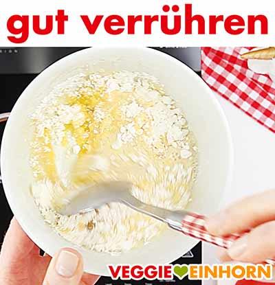 Puddingpulver, Zucker und Vanille-Sojamilch verrühren