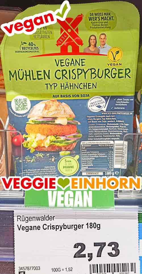 Eine Packung vegane Crispy Chicken Burger von Rügenwalder Mühle im Supermarkt