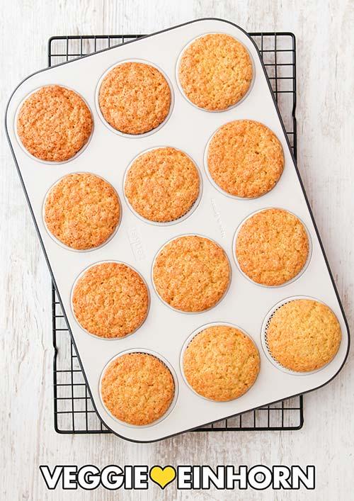 Die saftigen Zitronen Muffins im Muffinblech