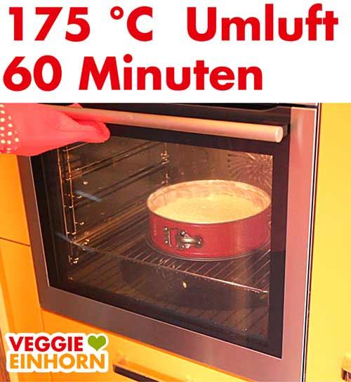 Saftiger Veganer Karottenkuchen backt im Ofen
