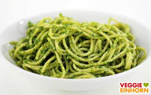 Spaghetti mit veganem Bärlauchpesto