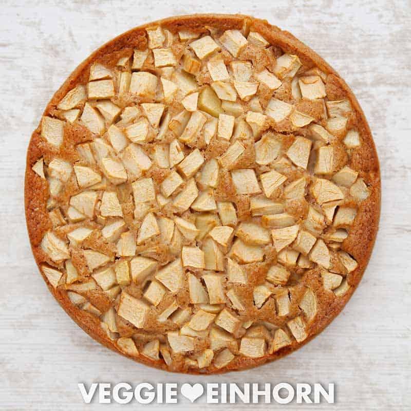 Frischer veganer Apfelkuchen
