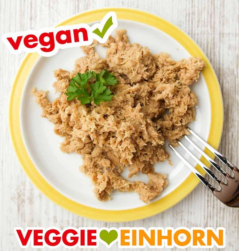 Teller mit veganem Thunfisch