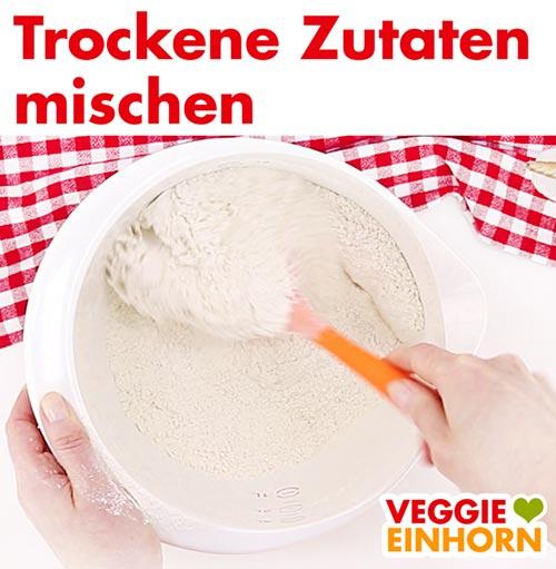Trockene Zutaten mischen für vegane Nussecken