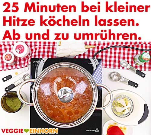 Türkische Linsensuppe bei kleiner Hitze 25 Minuten kochen
