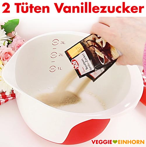 Vanillezucker zum Muffinteig zufügen