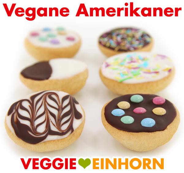 Vegane Amerikaner mit Zuckerguss, Schokolade, Zuckerstreuseln