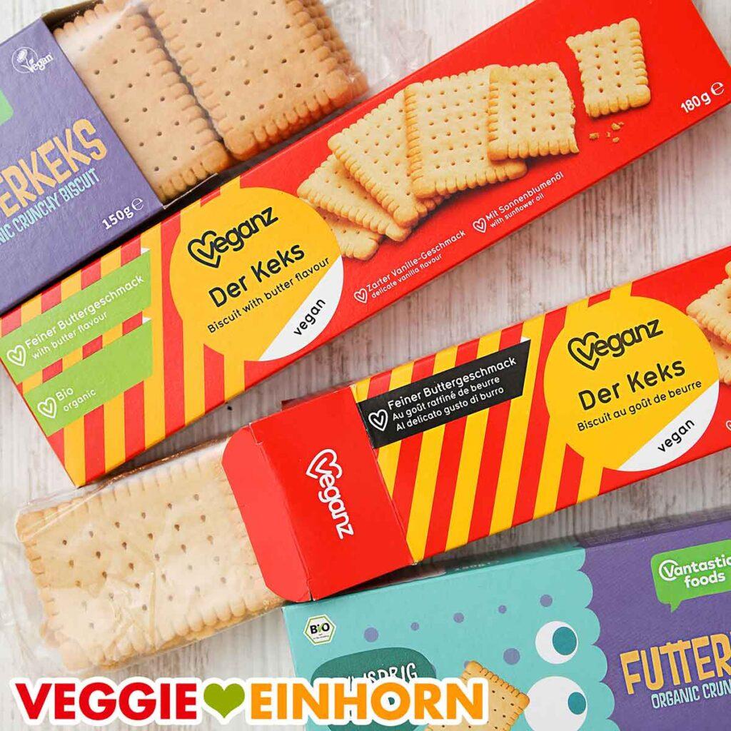 Vier Packungen mit veganen Butterkeksen
