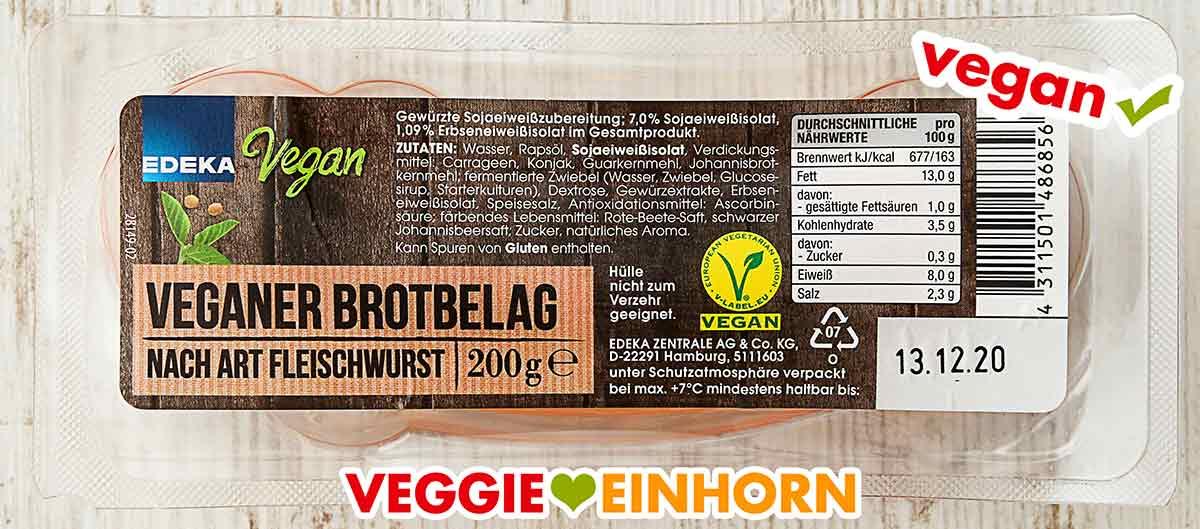 Eine Packung vegane Fleischwurst von Edeka