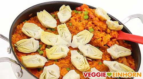 Vegane Paella in Pfanne